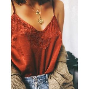 Tops - 🆕Coralee Rust Satin & Lace Cami Top